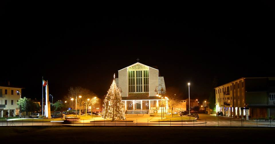 chiesa e piazzale